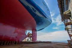 Navire sur la pièce de poupe de dock Photographie stock libre de droits