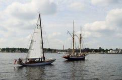 Navires de navigation dans le Golfe de Riga. Photographie stock libre de droits