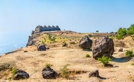 Navlakha Kothar, forntida kornlagring på den Pavagadh kullen Gujarat - Indien royaltyfri bild