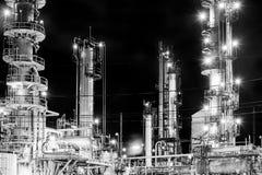 navodari night oil refinery romania στοκ εικόνες