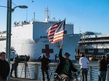 Navy medical ship brings coronavirus crisis aid to LA