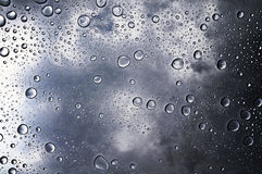 Nawadnia kropelkowego tła stalowego skutek zdjęcia stock