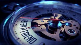 Nawiązywać do przyjaciela na Kieszeniowego zegarka twarzy Fotografia Royalty Free