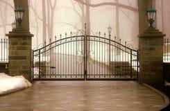 Nawiedzająca brama Zdjęcia Royalty Free