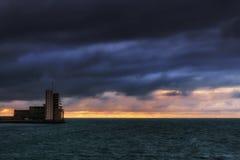 Nawigaci wieża kontrolna z pogodą sztormową Zdjęcia Royalty Free