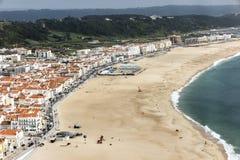 Nazare是其中一个最普遍的海滨胜地在葡萄牙, c 库存图片