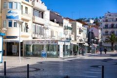 Nazare,葡萄牙- 2017年11月5日:街道观点的Nazare 城市 免版税库存照片