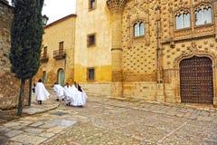 Nazarenes, святая неделя в Baeza, провинция Jaen, Андалусия, Испания Стоковые Изображения