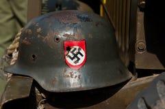 Nazi Helmet på den amerikanska jeepen Arkivbilder