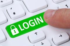 Nazwa użytkownika przedkłada z hasłem rejestracyjnym na internecie online fotografia stock