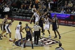 NBA fängt v-Jazz stockbilder