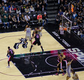 NBA-leken - sporrar vs. blazer Arkivbilder