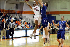NCAA人的篮球 免版税图库摄影