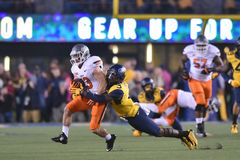2015 NCAA橄榄球-在西维吉尼亚的俄克拉何马状态 库存图片