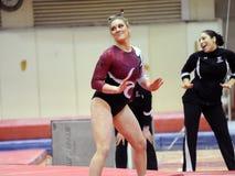 ncaa женского гимнаста chelsea lapent Стоковые Фотографии RF