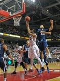 NCAA 2012 Bsketball - action sous le cercle Photos libres de droits