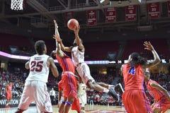 2015 NCAA-basket - GNETkvartsfinalTempel-La teched arkivfoto