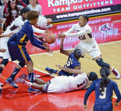 2014 NCAA-basket - kvinnors basket Royaltyfri Fotografi