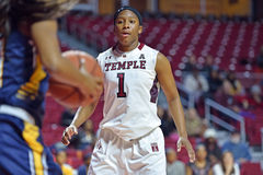 2014 NCAA-basket - kvinnors basket Arkivfoto