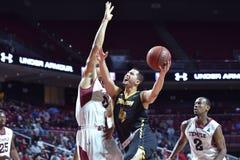2014 NCAA Basketbal - de actie van het de Tempelspel van Towson @ Stock Foto's