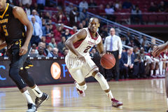 2014 NCAA Basketbal - de actie van het de Tempelspel van Towson @ Stock Fotografie