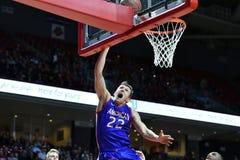 2014 NCAA Basketbal - het Basketbal van Mensen Stock Afbeeldingen