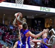2014 NCAA Basketbal - het Basketbal van Mensen Stock Afbeelding