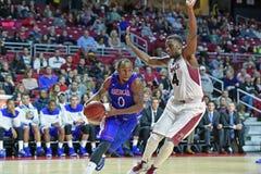 2014 NCAA Basketbal - het Basketbal van Mensen Stock Fotografie