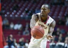 2014 NCAA Basketbal - het Basketbal van Mensen Royalty-vrije Stock Foto