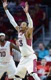 2014 NCAA Basketbal - het Basketbal van Mensen Stock Foto's