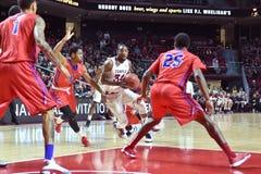 2015 NCAA Basketbal - NIT-Kwartfinales tempel-La technologie Stock Foto's