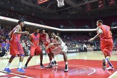 2015 NCAA Basketbal - NIT-Kwartfinales tempel-La technologie Royalty-vrije Stock Afbeeldingen