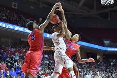 2015 NCAA Basketbal - NIT-Kwartfinales tempel-La technologie Stock Afbeeldingen