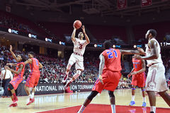 2015 NCAA Basketbal - NIT-Kwartfinales tempel-La technologie Royalty-vrije Stock Fotografie