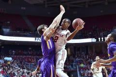 2015 NCAA Basketbal - tempel-ECU Royalty-vrije Stock Fotografie