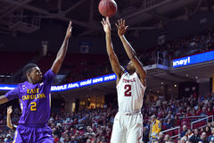 2015 NCAA Basketbal - tempel-ECU Royalty-vrije Stock Foto