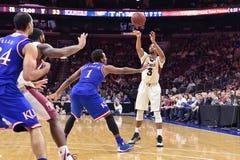 2014 NCAA-Basketball - Kansas am Tempel Lizenzfreie Stockfotos