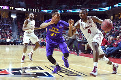 2015 NCAA-Basketball - Tempel-ECU Stockbilder