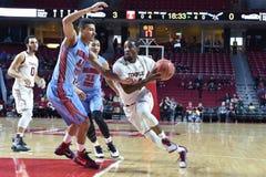 2015 NCAA-Basketball - Tempel gegen Staat Delaware Lizenzfreie Stockfotos