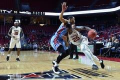 2015 NCAA-Basketball - Tempel gegen Staat Delaware Stockbilder