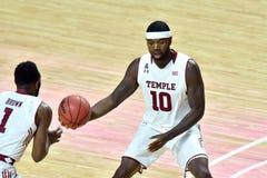 2015 NCAA-Basketball - Tempel gegen Staat Delaware Lizenzfreie Stockbilder
