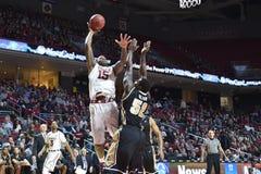 2015 NCAA-Basketball - Tempel - UCF Lizenzfreie Stockfotos