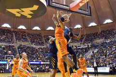 2015 NCAA-Basketball - WVU-Oklahoma-Staat Stockfoto