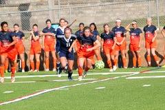 NCAA DIV ΙΙΙ Women's κολλεγίου ποδόσφαιρο Στοκ φωτογραφία με δικαίωμα ελεύθερης χρήσης