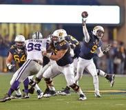 2014 NCAA-Fußballaktion - WVU-Kansas-Staat Lizenzfreies Stockbild