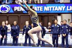 2015 NCAA-Gymnastik - WVU-Pennzustand Stockfotografie