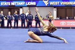 2015 NCAA-Gymnastik - WVU-Pennzustand Lizenzfreies Stockbild