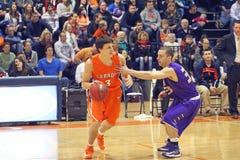 NCAA het Basketbal van Jongens Stock Foto