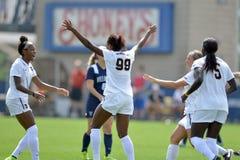 2015 NCAA het Voetbal van Vrouwen - Villanova @ WVU Stock Afbeeldingen