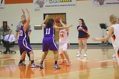 Ncaa-Mädchen-Basketball Lizenzfreie Stockfotografie